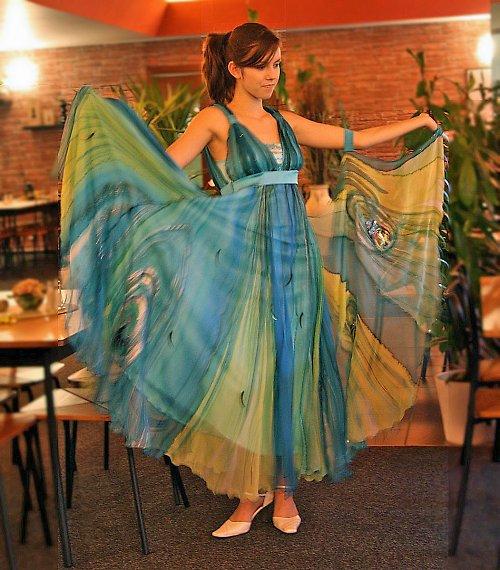 Společenské hedvábné taneční šaty