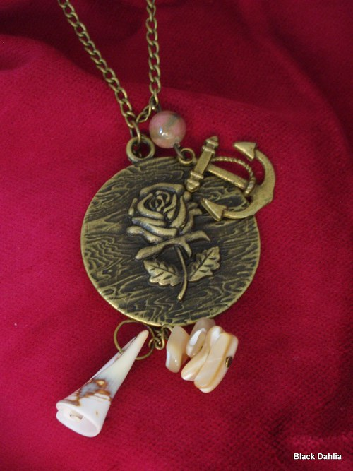Vintage Collection: Gold Rose IV.