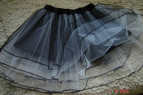 CHARLOTTE - Černobílá tylová sukně s lemováním