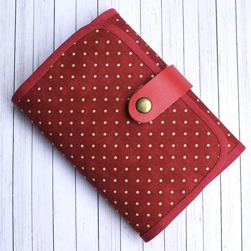 """Peněženka \""""Dots in red\"""" zmenšená verze"""