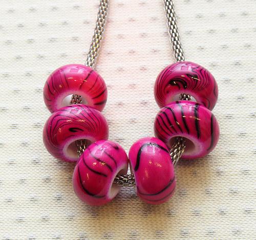 """Akrylové korálky \"""" růžové\"""" 2 ks"""