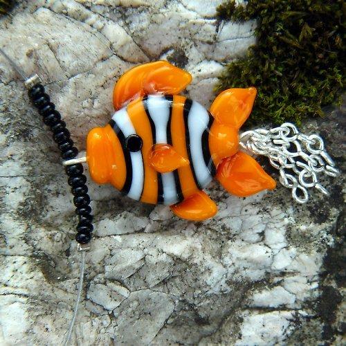 Náhrdelník pruhovaná rybka - oranžová