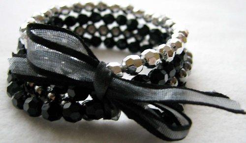 Stříbrno-černý náramek