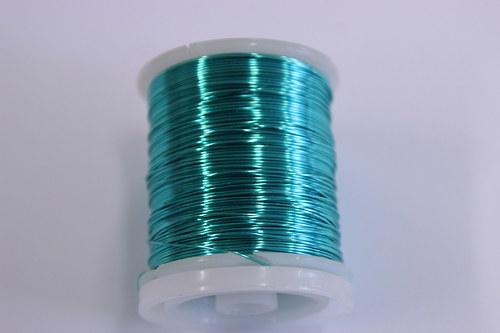 Měděný drátek 0,5mm - tyrkysový, návin 19-21m