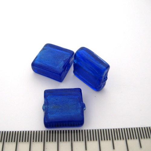 vinutá perla čtverec 15x15mm, dark saphire