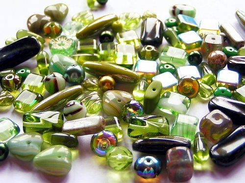 Olivově zelená směs (mačkané korálky)