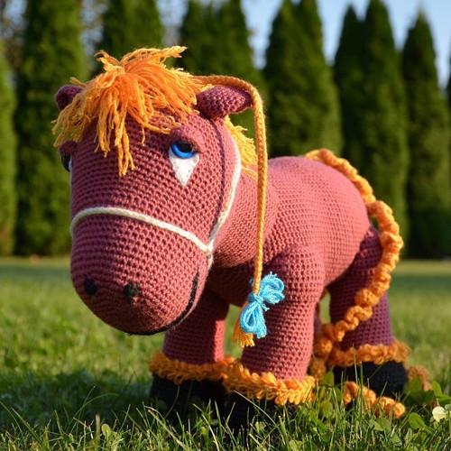 Kůň Felix zlatohřívák
