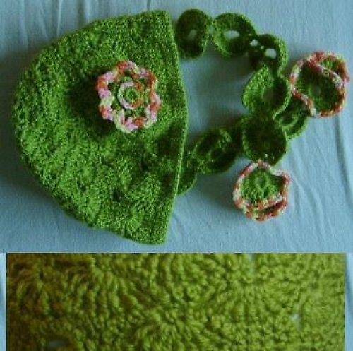 Háčkovaná zelená čepička se šálkou