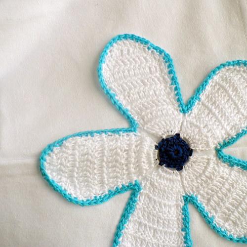 Triko bílé s modrou