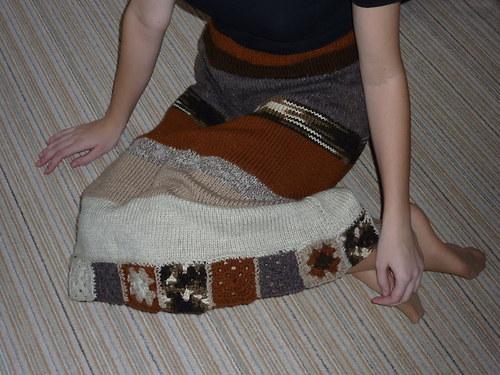 Hnědá pletená sukně