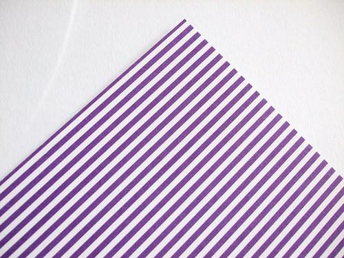 Karton fialový proužek
