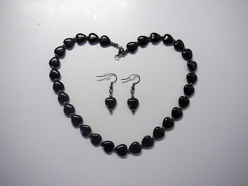 Černý srdíčkový náhrdelník  SLEVA