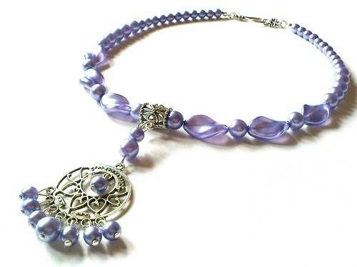 Fialový náhrdelníček s filigránem...