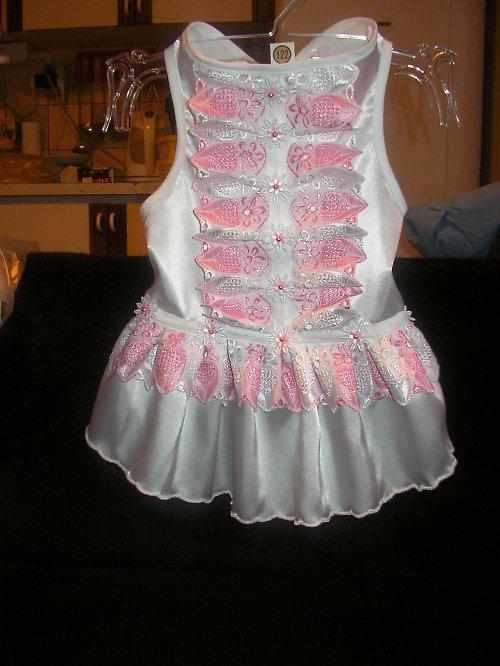 26. Sváteční(svatební) šaty