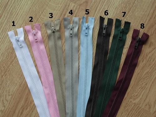 Zip kostěný 35cm