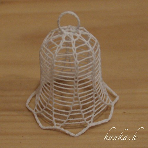 Zvoneček prostorový 4,5cm - pletený