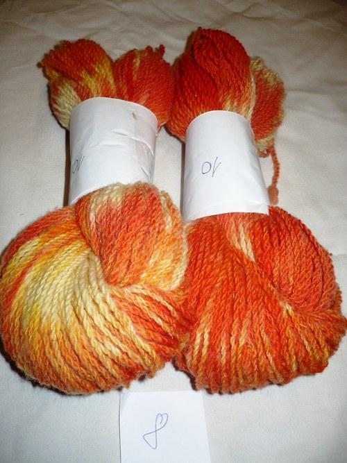 Ručně předená ovčí vlna...oranžová