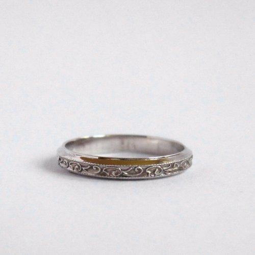 Jako po babičce (prstýnek, bílé Au 585/1000)