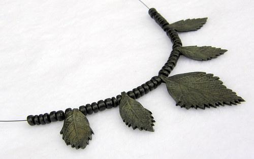 Podzimní lístečkový náhrdelník