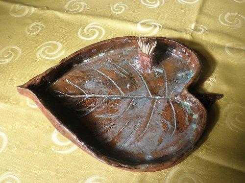 keramický tác ve tvaru srdce