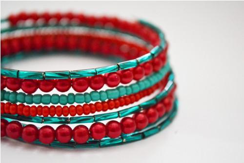 Náramek - červená se smaragdovou a tyrkysem ...