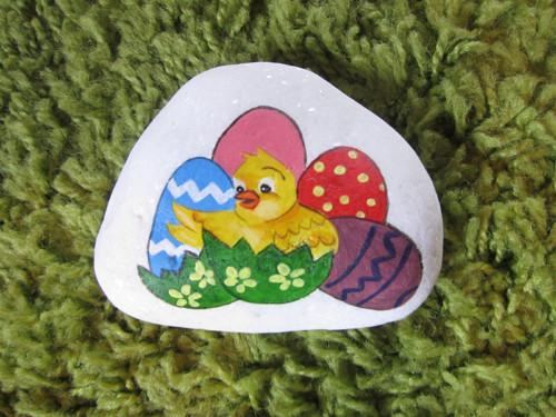 Malované kuřátko s vajíčky