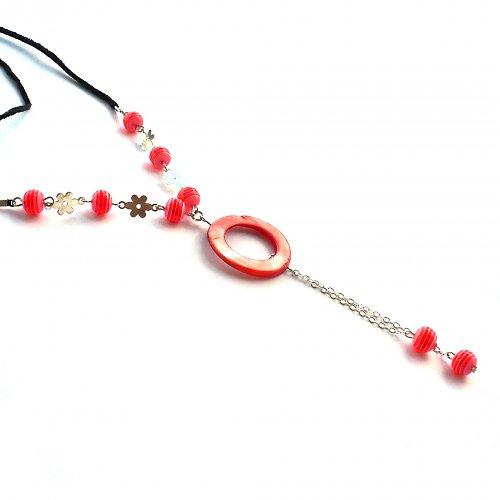 Červený delší náhrdelník
