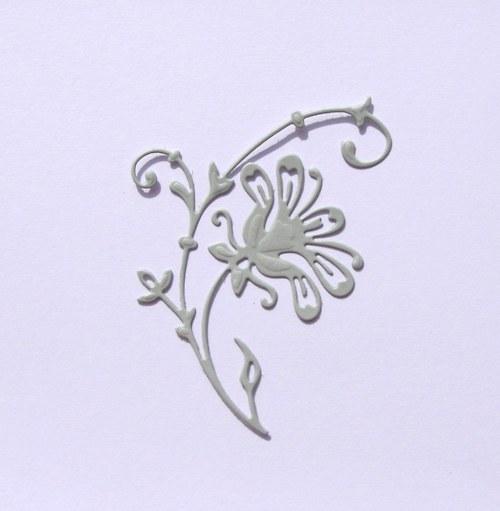 Větvička s folklorním květem