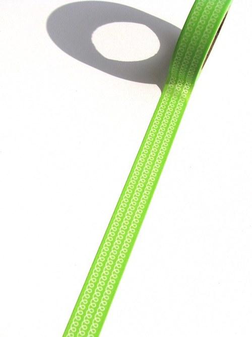 Páska: Spirálkové pruhy na zelené (1,5 x 33 cm)