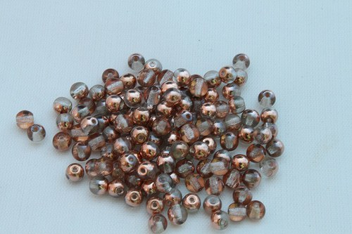Korálky 2204 (4 mm)