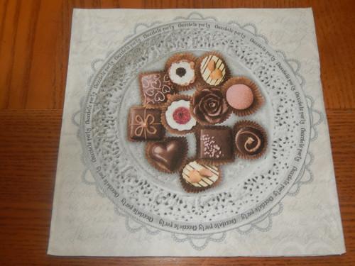 Ubrousek na decoupage - čokoládové bonbony