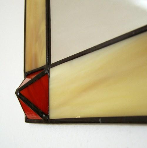 Zrcadlo - Červená pyramida