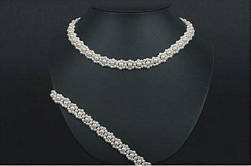 Květinový perličkový náhrdelník