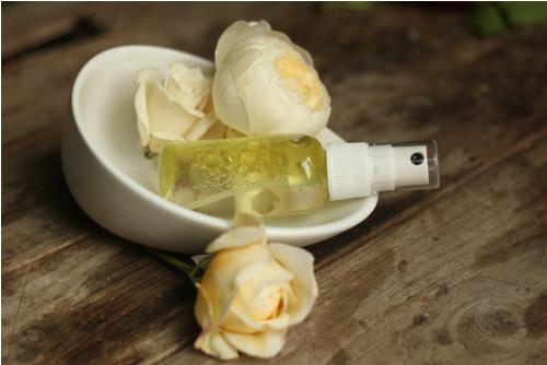 RŮŽOVÁ ROSA - tělový hydrofilní olej