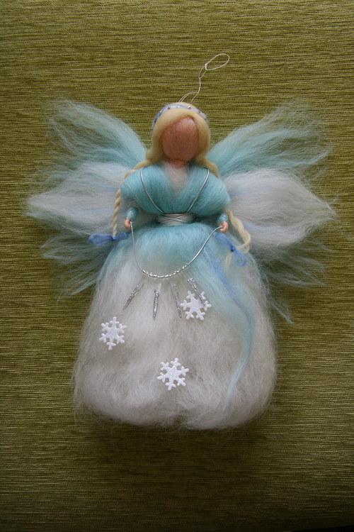 Víla - Paní Zima - cca 25 cm