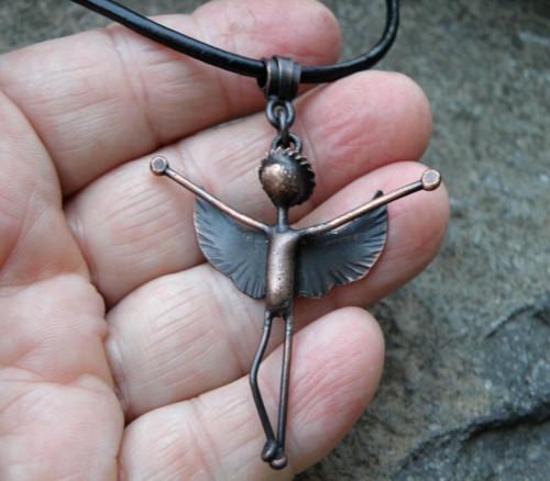 Přívěšek - anděl - měď - Andělíček strážníček