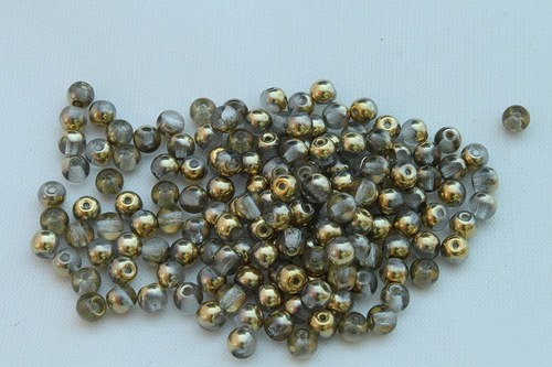 Korálky 2205 (4 mm)