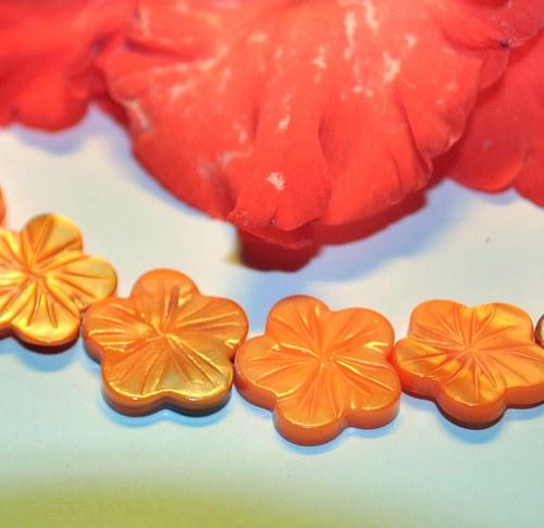 PER860 Perleť květ - Orange 18 mm