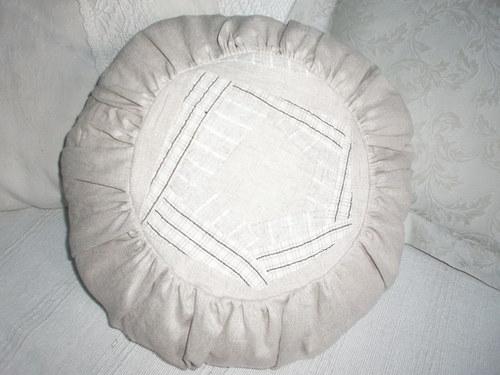 Kulatý polštář