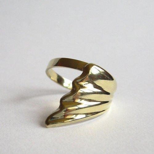 Na křídlech větru (zlatý prsten)