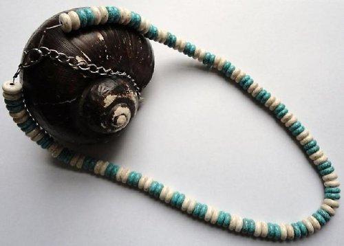 Elegantní náhrdelník z minerálu howlit a tyrkys