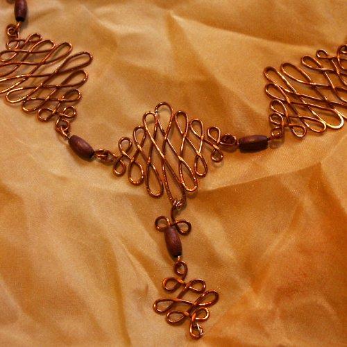 drátovaný šperk - měděný