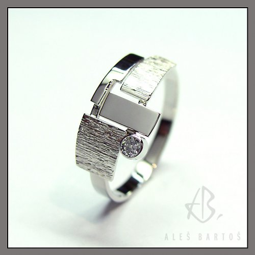 prsten, bílé zlato s briliantem