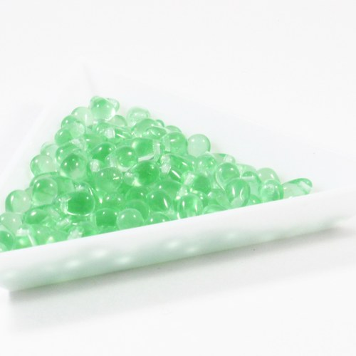 Kapky 6 x 4 mm zelené 60 ks