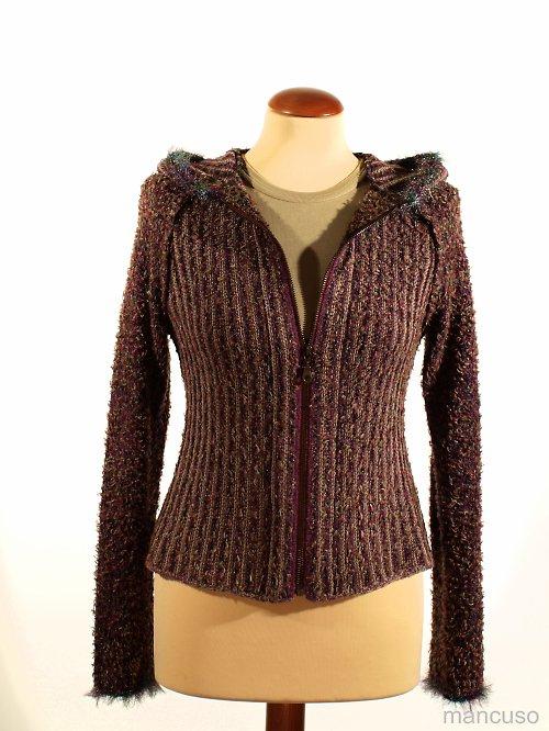 svetr s kapucou