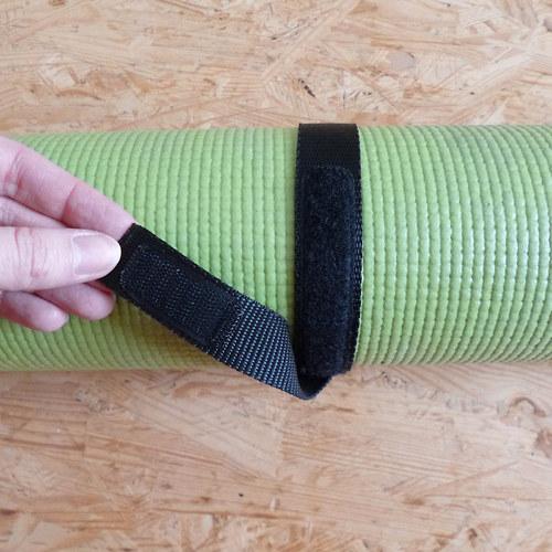 Pásek na jóga podložku