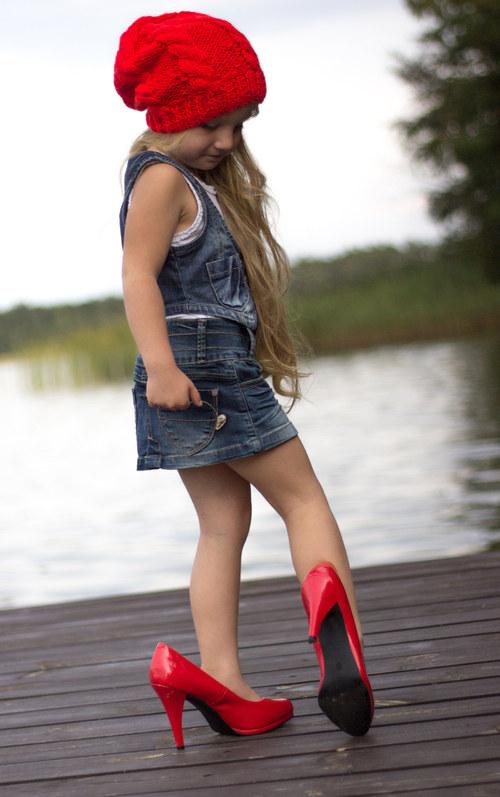Little pretty woman..