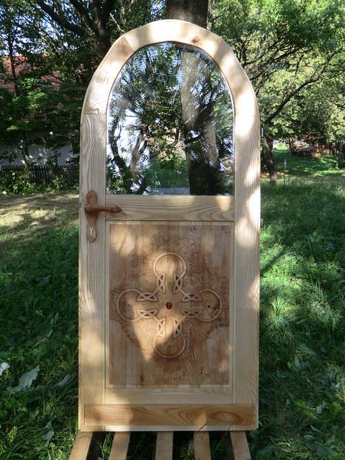 Atypické vchodové dveře