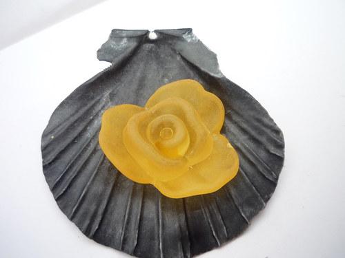 velká žlutá  akrylová růže 2  ks