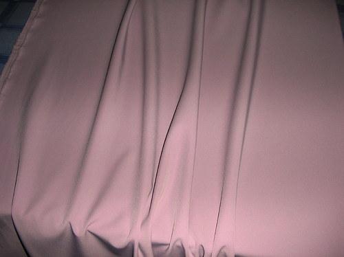 Látka sv.růžová-elastická